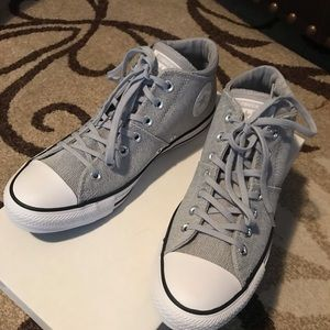 New women Converse shoes size 10